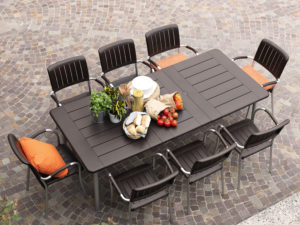 Outdoor Extendable Table